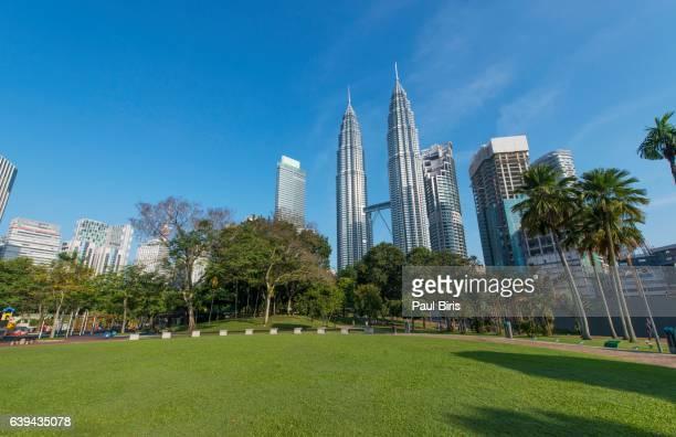 petronas twin towers in kuala lumpur, malaysia - kuala lumpur stock pictures, royalty-free photos & images