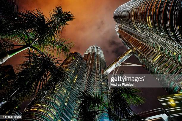 petronas twin towers, kuala lumpur, malaysia - petronas towers stock pictures, royalty-free photos & images