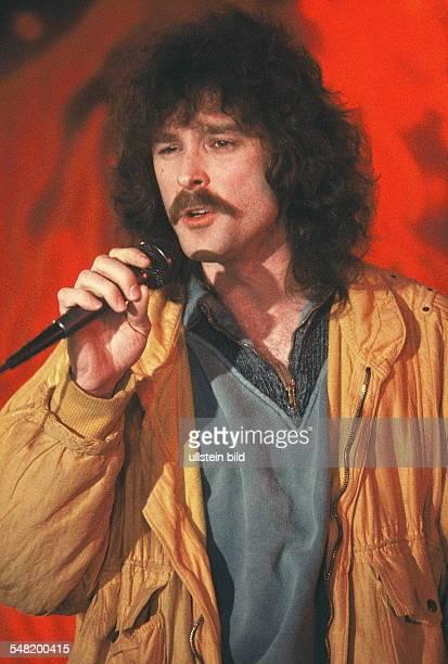 Petry Wolfgang Musician Singer Pop music Germany performing 1984