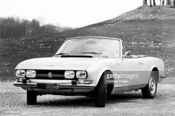 Peugeot 504 cabriolet. Creator: Unknown.
