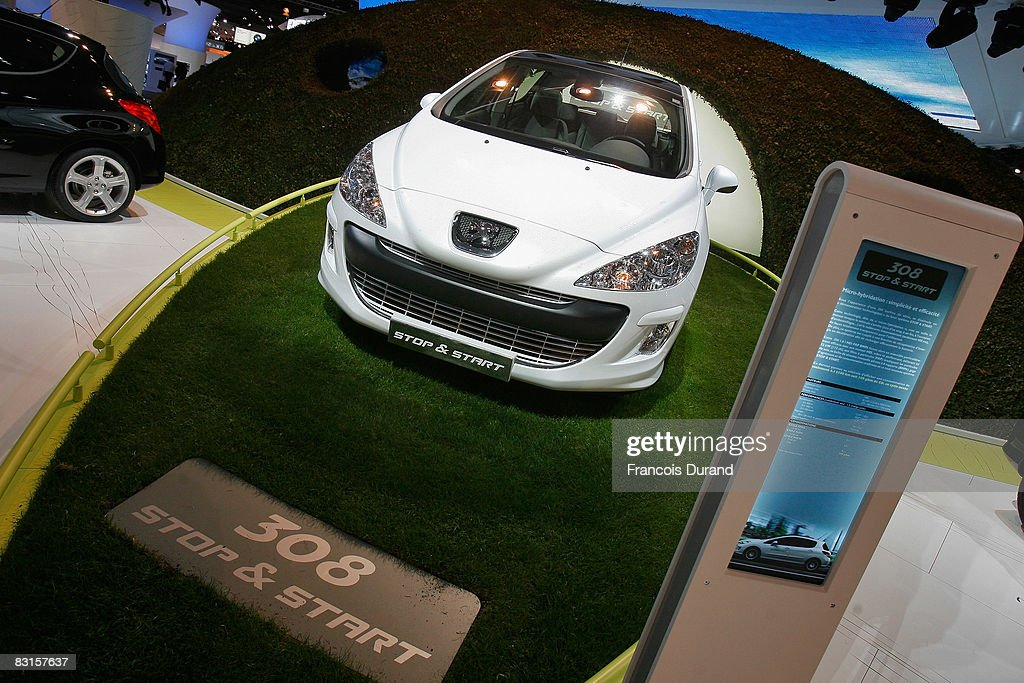 A Peugeot micro-hybride system Stop & Start car is presented at the