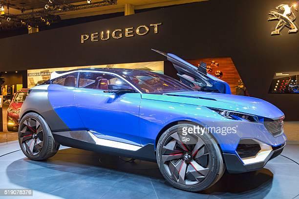 Peugeot Quartz Concept SUV Hybrid plug-in car