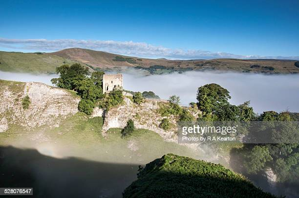 peveril castle on a misty morning - peveril castle stock pictures, royalty-free photos & images