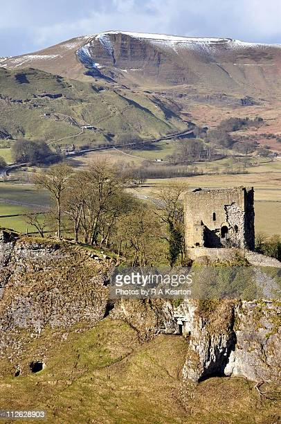 peveril castle - peveril castle stock pictures, royalty-free photos & images