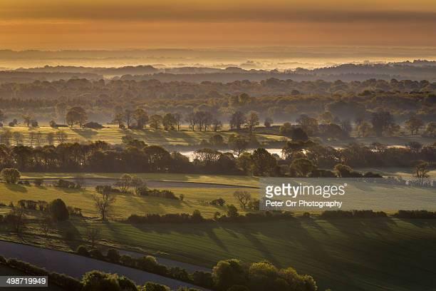 pewsey vake from martinsell hill - ウィルトシャー州 ストックフォトと画像