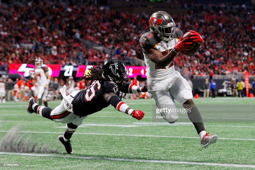 Tampa Bay Buccaneers v Atlanta Falcons : Fotografia de notícias