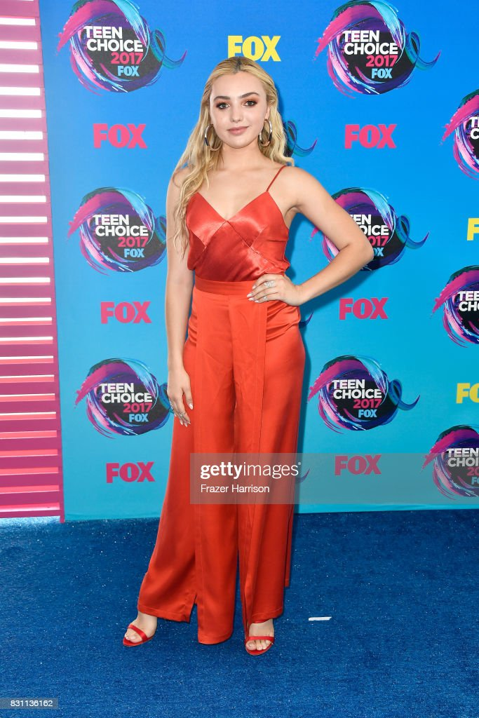 Peyton List attends the Teen Choice Awards 2017 at Galen Center on August 13, 2017 in Los Angeles, California.