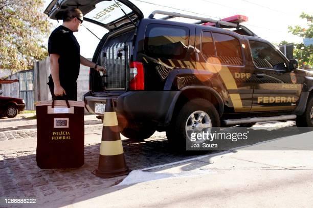 南部バイアで動作するpfエージェント - 連邦警察 ストックフォトと画像