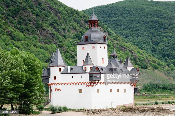 pfalz castle (burg pfalzgrafenstein) along the rhine river, germany - ogphoto stock photos and pictures