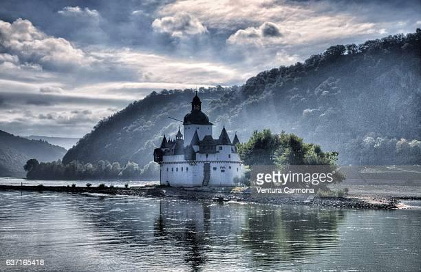 pfalzgrafenstein castle - germany - ラインラント=プファルツ州 ストックフォトと画像