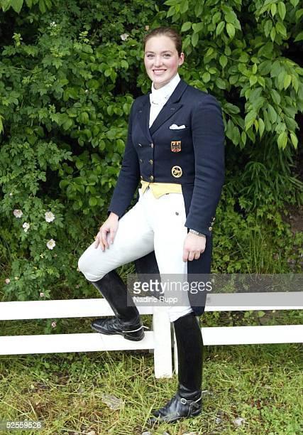 Pferdesport: Deutsche Meisterschaft 2004, Balve; Portrait - Dressur - Liselott Schindling Memorial Preis; Ellen SCHULTEN-BAUMER auf Lesotho 12.06.04.
