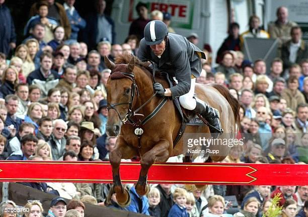 Pferdesport: Deutsche Meisterschaft 2004, Balve; Springreiten; Deutscher Meister 2004: Ludger BEERBAUM aus Gladdys S 13.06.04.