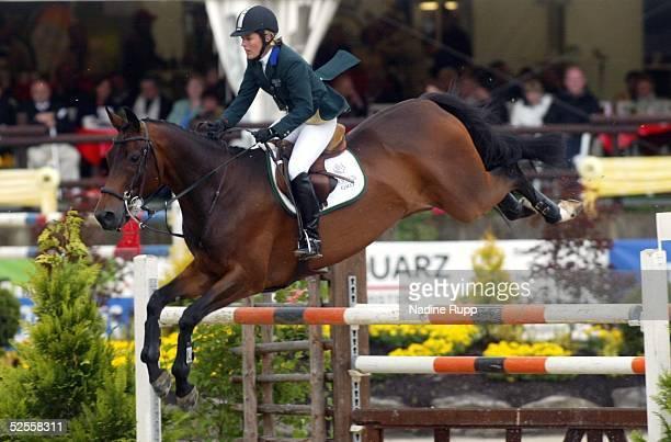 Pferdesport: Deutsche Meisterschaft 2004, Balve; Springreiten; Meredith MICHAELS-BEERBAUM auf Shutterfly 13.06.04.