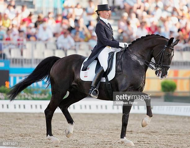 Pferdesport: Olympische Spiele Athen 2004, Athen; Dressur / Einzel; GOLD: Anky van GRUNSVEN / NED 25.08.04.