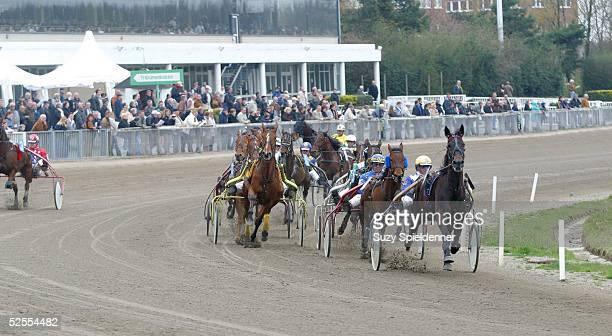 Pferdesport / Traben Ostermeeting in Bahrenfeld 2004 Hamburg Pit PanRennen Finale Standardrennen 120404