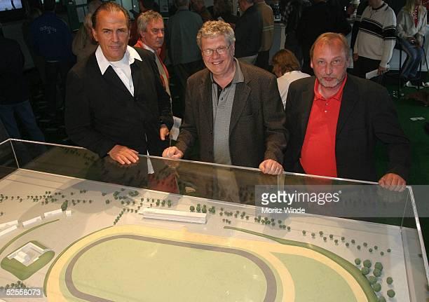Pferdesport / Trabrennen Mikado Renntag Modell Vorstellung Hamburg Juergen HUNKE / HSP Friedrich GRUEHL / Investor Stefan MEISEBLUMBERGER /...