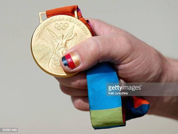 Pferdesport / Vielseitigkeit Feature 2004 Doehle die aberkannte Goldmedaille von Andreas Dibowski 240804