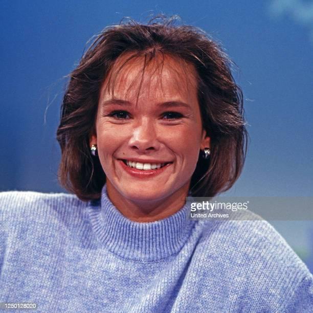 Pfiff, Sportshow für junge Zuschauer, Deutschland 1980er Jahre Moderator: Sabine Noethen.
