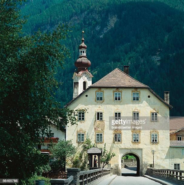 Pfunds in the Inntal Landeck Tyrol Austria Photography Around 1990 [Pfunds im Inntal Landeck Tirol Photographie Um 1990]