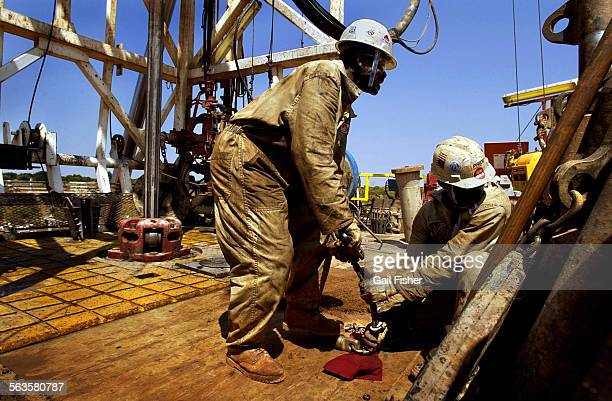 ph061713AA0318pipelineGF––The pipeline starts in remote oil fields in Chad one of the poorest most isolated countries in West Africa One of three...