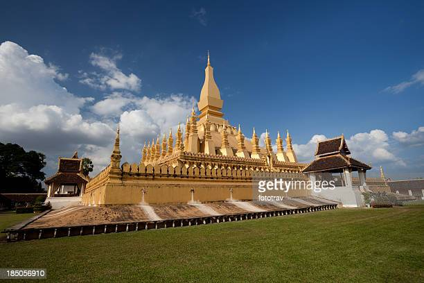 pha that luang stupa in vientiane, laos - laotian culture stock pictures, royalty-free photos & images