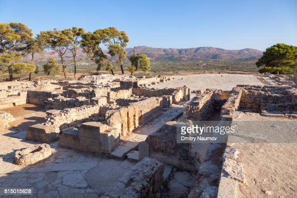 phaistos bronze age archeological site, island of crete, greece, mediterranean - minoan stock photos and pictures