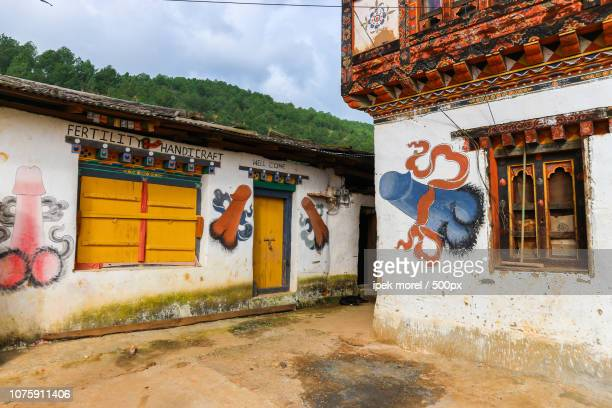 phallus souvenir shop in bhutan. - ipek morel stock pictures, royalty-free photos & images