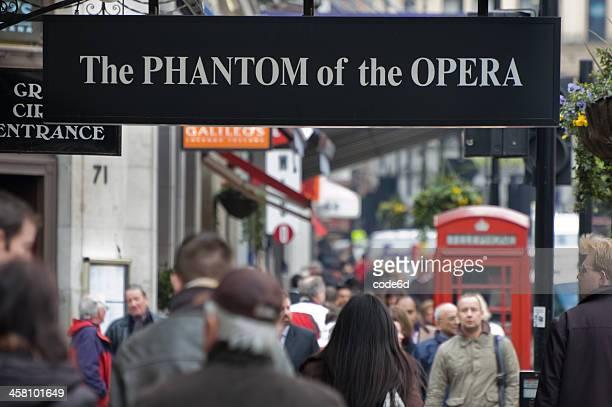 phantom der oper - ghost kunstwerkname stock-fotos und bilder