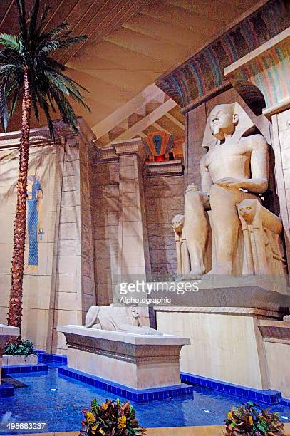 pharaoh at luxor hotel - luxor hotel stock pictures, royalty-free photos & images
