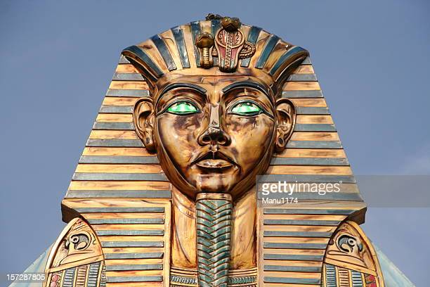 pharaoh statue - tomb stock pictures, royalty-free photos & images