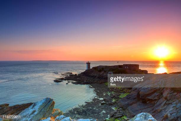 phare de kermorvan at sunset (lighthouse kermovan), france/ brittany/ finistere - finistere stock photos and pictures