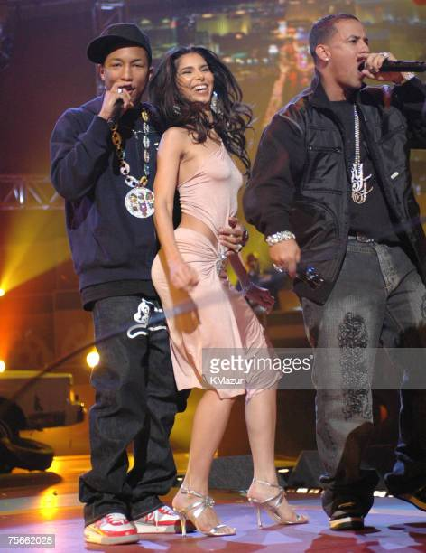 Pharrell Roselyn Sanchez and Daddy Yankee perform Rompe/Mamacita