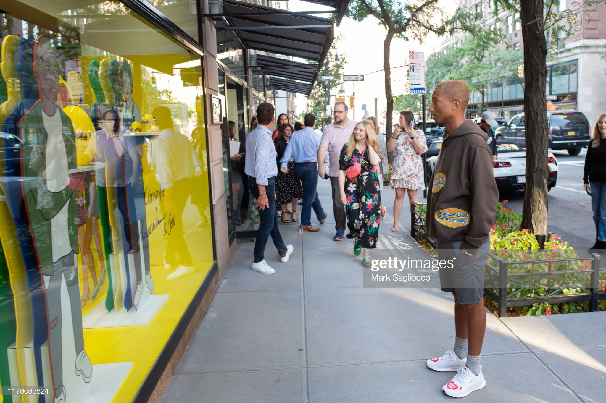 ¿Cuánto mide Pharrell Williams? - Altura - Real height Pharrell-williams-attends-the-christofles-and-manhattan-magazines-picture-id1178083824?s=2048x2048