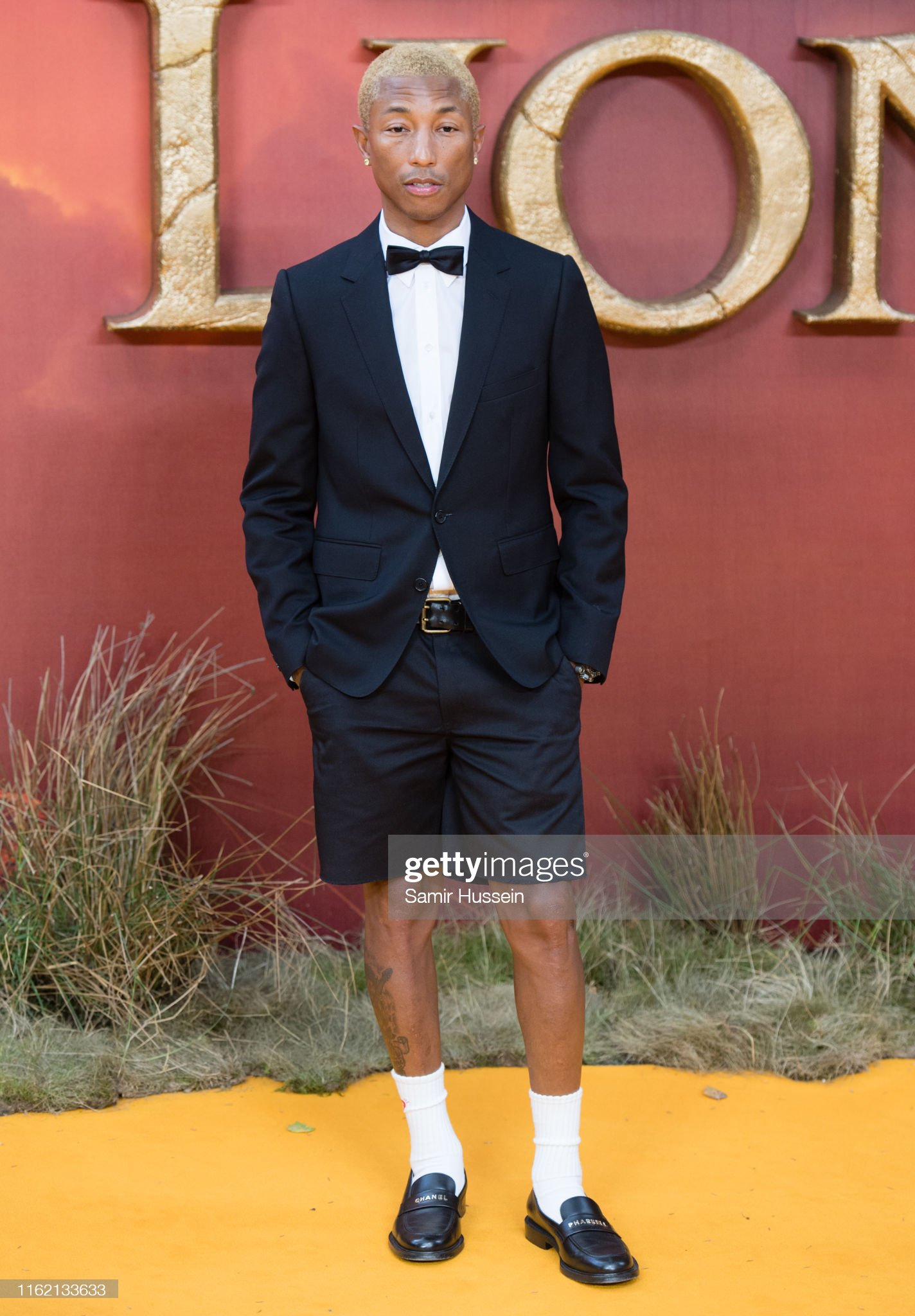 ¿Cuánto mide Pharrell Williams? - Altura - Real height Pharrell-williams-attends-the-lion-king-european-premiere-at-square-picture-id1162133633?s=2048x2048
