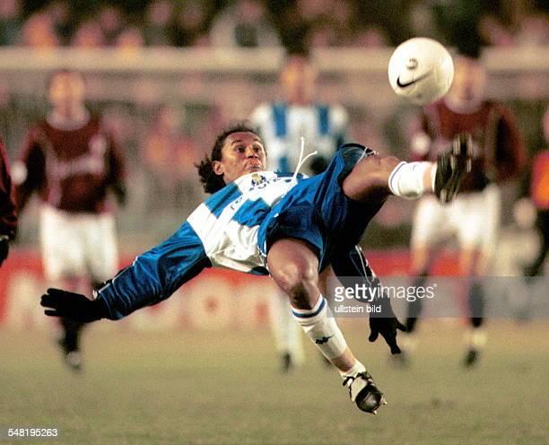 AC Sparta Prag FC Porto 02 Spielszene Jose Esquerdinha beim Fallrückzieher