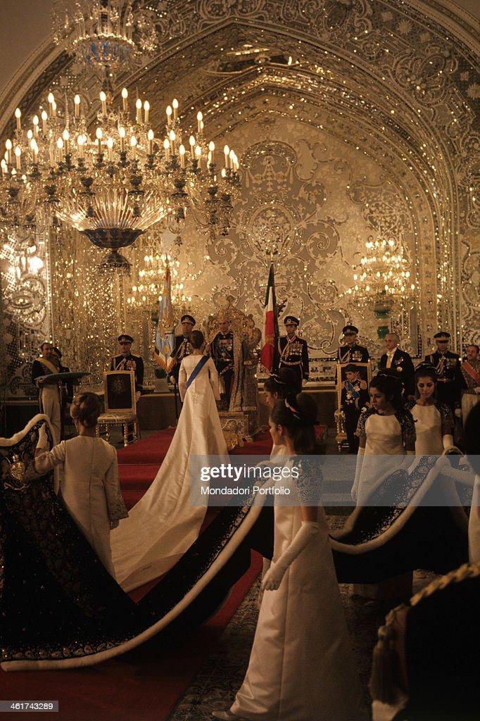 The coronation of the last Shah of Persia Muhammad Reza Pahlavi : News Photo