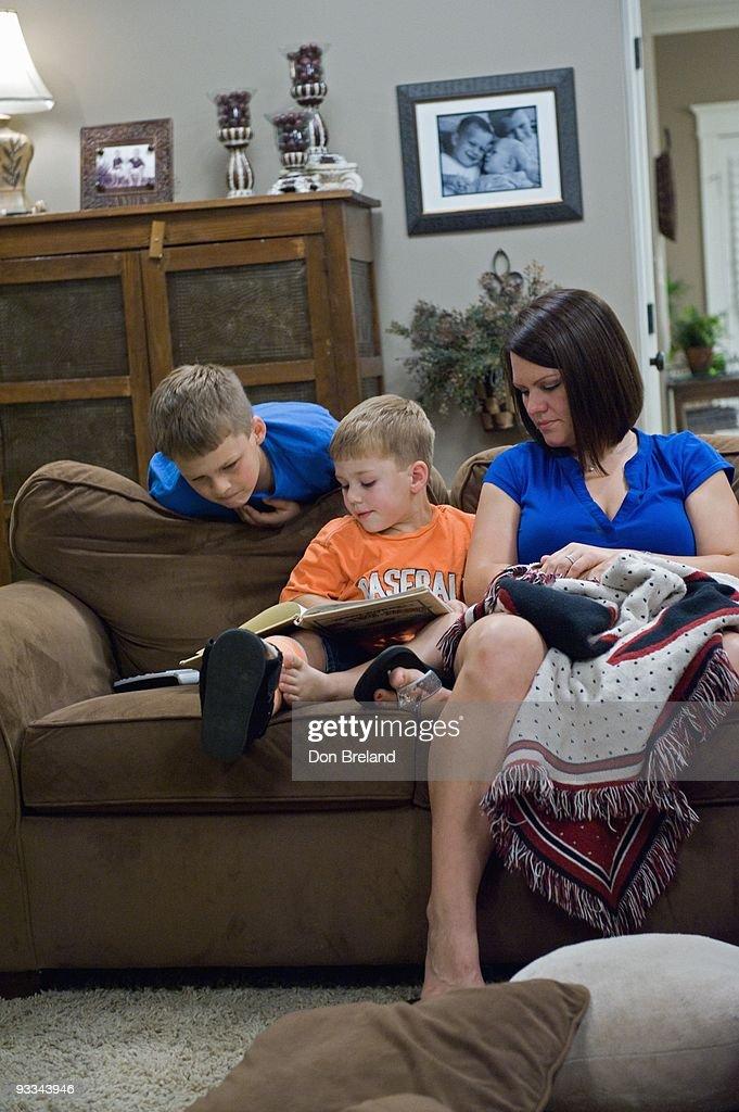 """ABC's """"Supernanny"""" - Season Six : News Photo"""