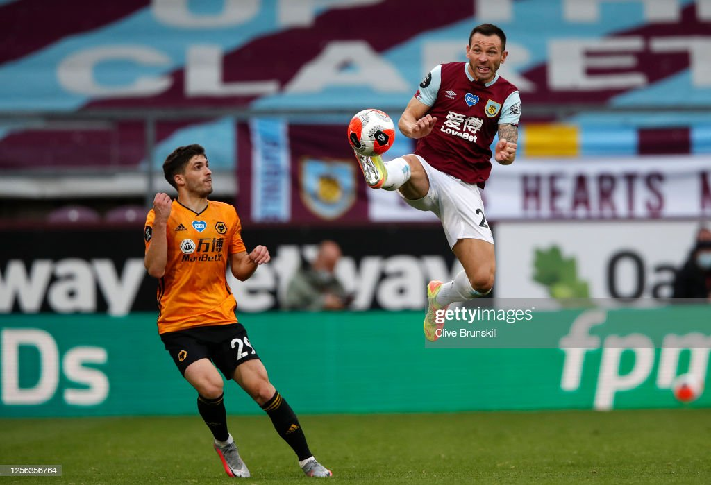 Burnley FC v Wolverhampton Wanderers - Premier League : News Photo
