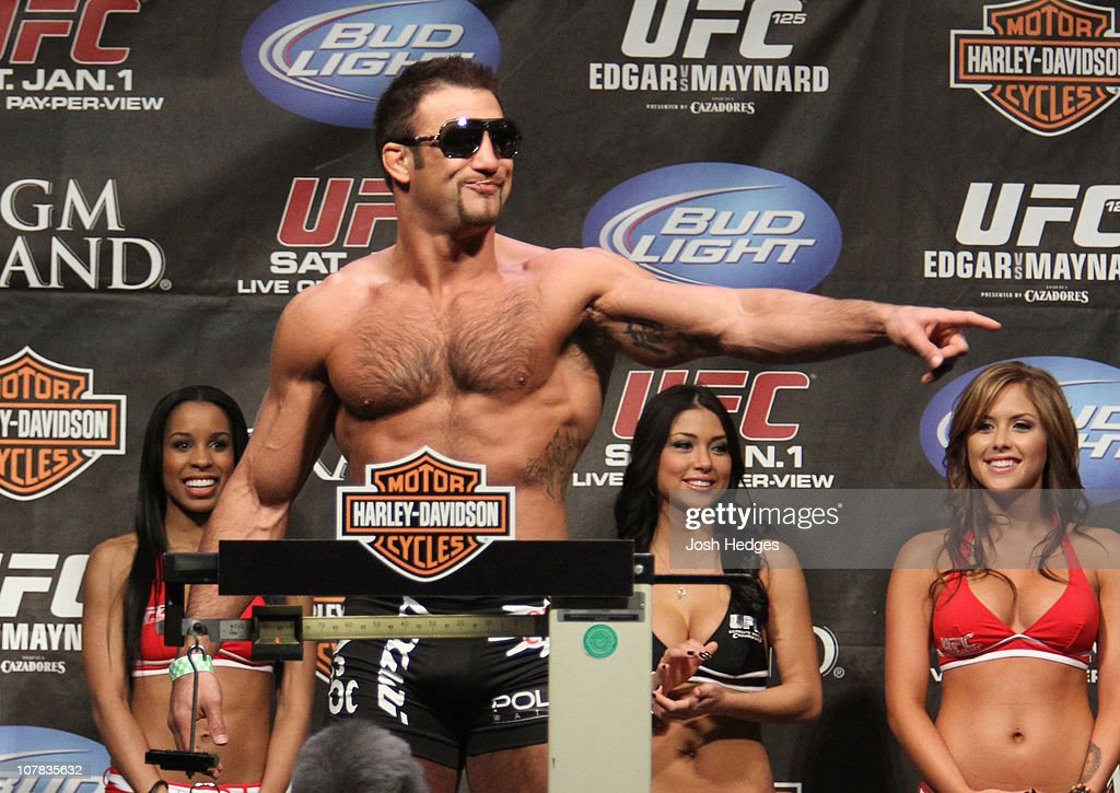 UFC 125 Weigh-in : ニュース写真