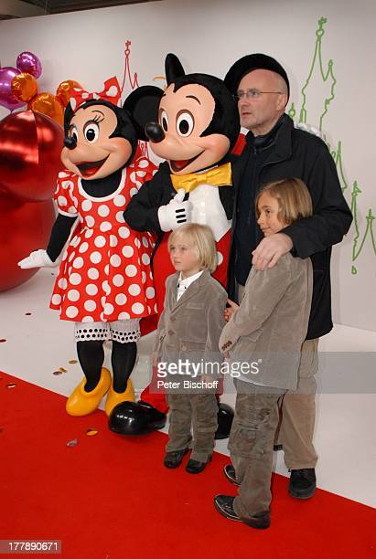 Phil Collins Sohn Nicholas Sohn Matthew Micky Maus Minnie Maus Mickys Fantastisches Fest zugunsten Ein Herz für Kinder Disneyland Resort Paris Walt...