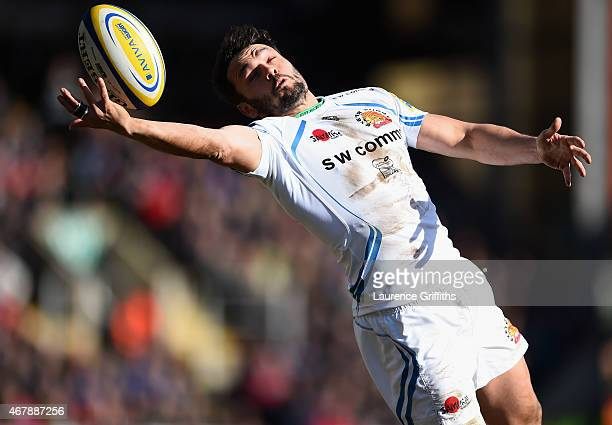 Phil Dolman of Exeter Chiefs stretches for the bal during the Aviva Premiership match between Leicester Tigers and Exeter Chiefs at Welford Road on...