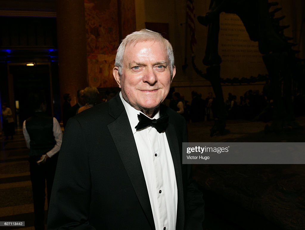 Phil Donahue attends old Spring Harbor Laboratory's Double Helix Medals at American Museum of Natural History on December 1, 2016 in New York City.