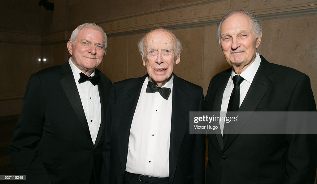 Phil Donahue, James D. Watson and Alan Alda attend old Spring Harbor Laboratory's Double Helix Medals at American Museum of Natural History on December 1, 2016 in New York City.