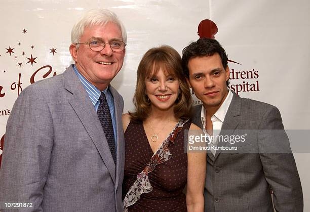 Phil Donahue Marlo Thomas and Marc Anthony during St Jude Children's Research Hospital Shower of Stars 40th Anniversary Backstage and Show at Cannon...