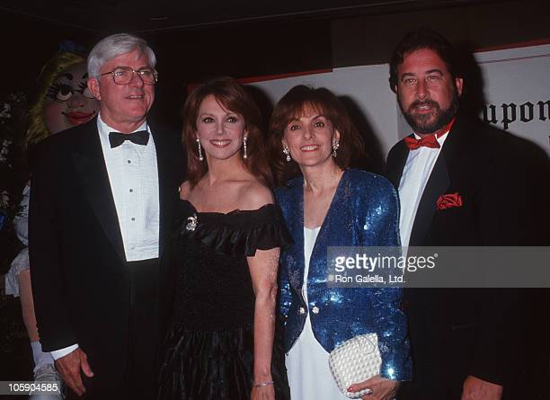 Phil Donahue Marlo Thomas Terre Thomas and Tony Thomas