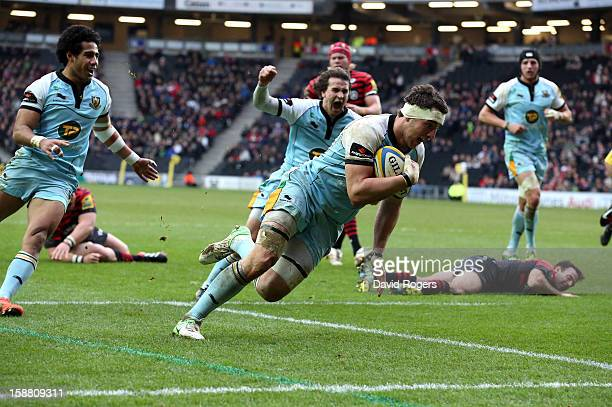 Phil Dowson of Northampton dives over for a try during the Aviva Premiership match between Saracens and Northampton Saints at stadiumMK on December...