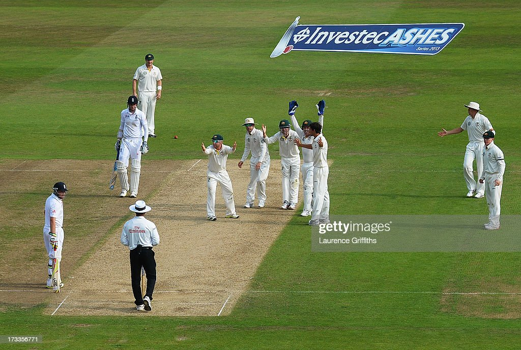 England v Australia: 1st Investec Ashes Test - Day Three : ニュース写真