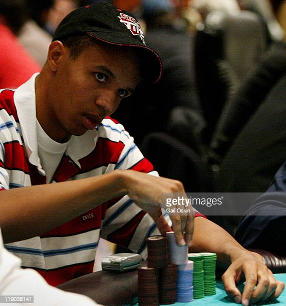 Phil Ivey plays poker at the Foxwoods Resort Casino during the 2004 World Poker Finals in Ledyard Connecticut Sunday November 14 004 World Poker Tour...
