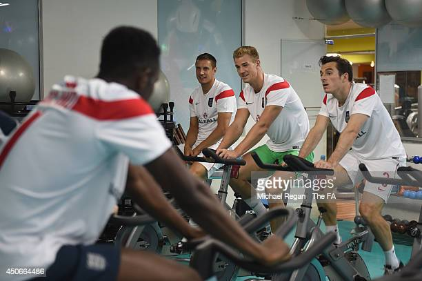 Phil Jagielka, Joe Hart and Leighton Baines look on during the England players recovery session at the Royal Tulip Hotel on June 15, 2014 in Rio de...