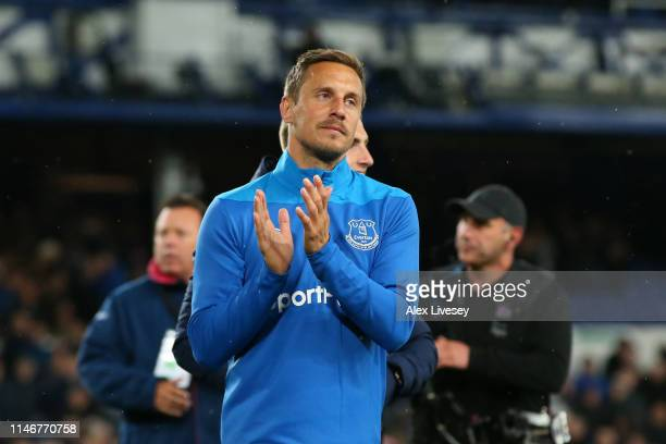 Phil Jagielka of Everton acknowledges the fans following his team's victory in the Premier League match between Everton FC and Burnley FC at Goodison...